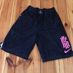 Boys Kyrie Irving xl basketball shorts